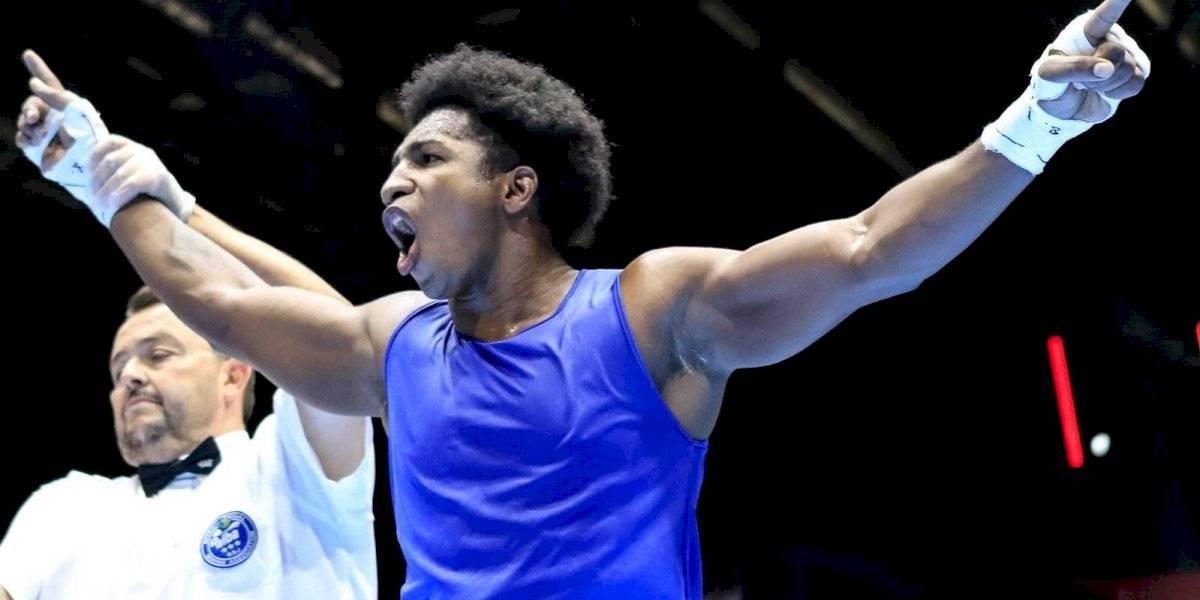 Ecuatoriano Julio Castillo logra plata en el Mundial de Boxeo
