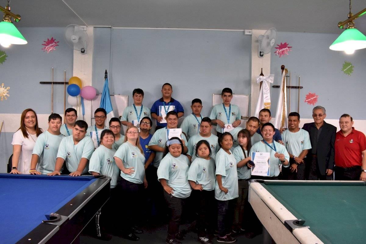 Foto Asobigua y CDAG | Varios niños y adolescentes con síndrome de down participaron del torneo de billar