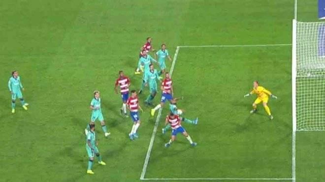 Arturo Vidal y la mano que le significó un penalti a favor del Granada