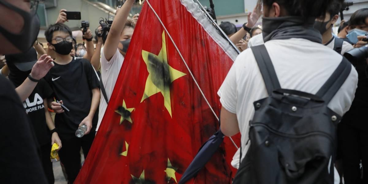 Manifestaciones en Hong Kong terminan con destrozos