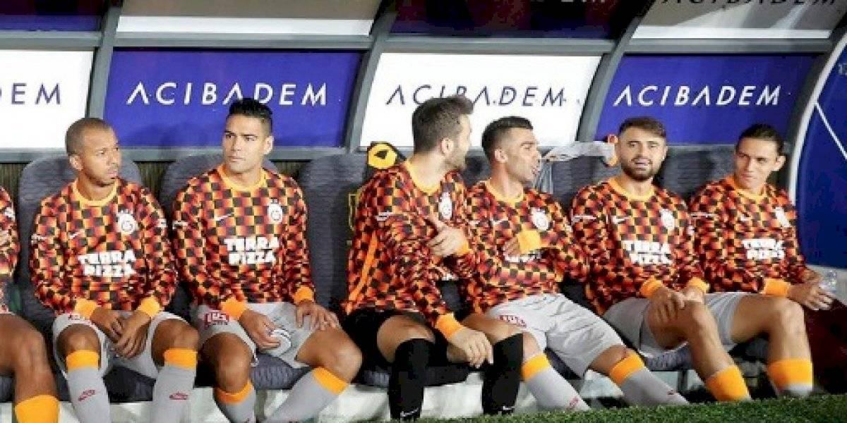 ¿Y esto qué contiene? La 'falta de respeto' que sufrió Falcao en partido del Galatasaray
