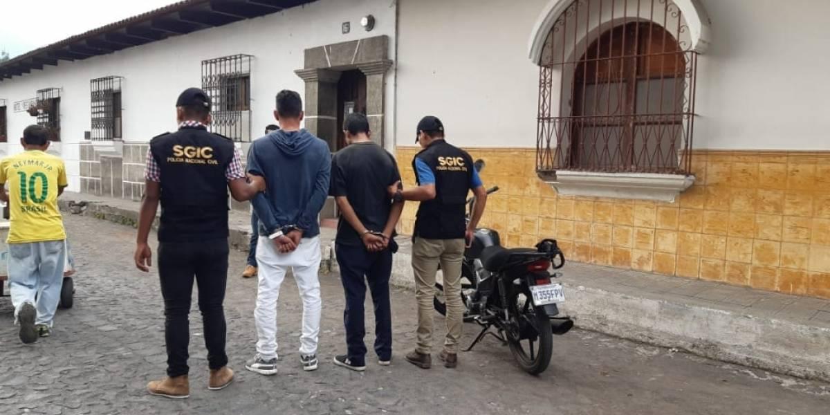"Capturan a ""extorsionistas"" en Antigua Guatemala"