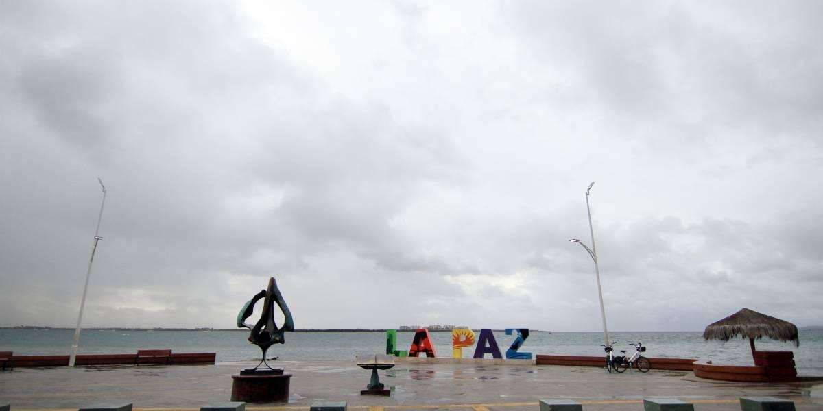 """Emiten declaratoria de emergencia para La Paz y Los Cabos por """"Lorena"""""""