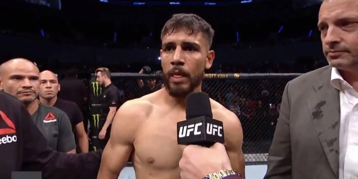VIDEO: Rival del 'Pantera' Rodríguez se retira de la pelea a los 15 segundos