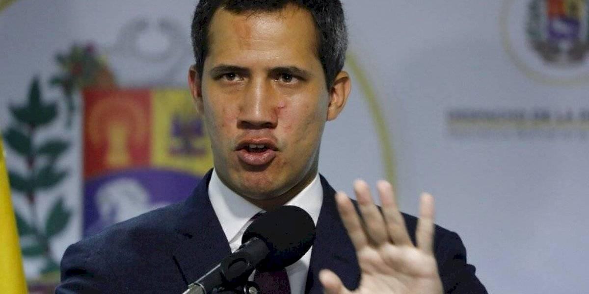 Ordenan captura de 4 personas por ayudar a Juan Guaidó