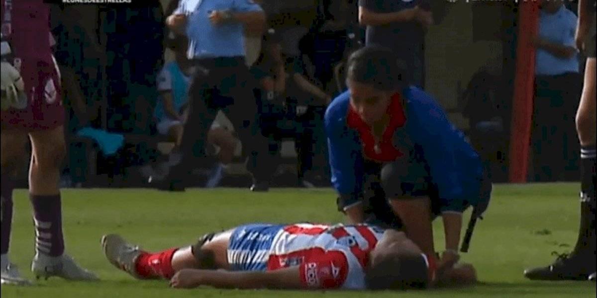 VIDEO: Futbolista de Liga MX Femenil se desmaya en pleno partido