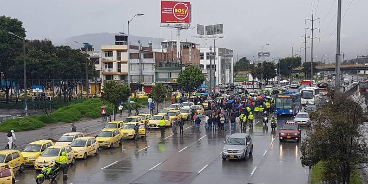 El vandalismo se apoderó del paro: así pincharon las llantas de los vehículos