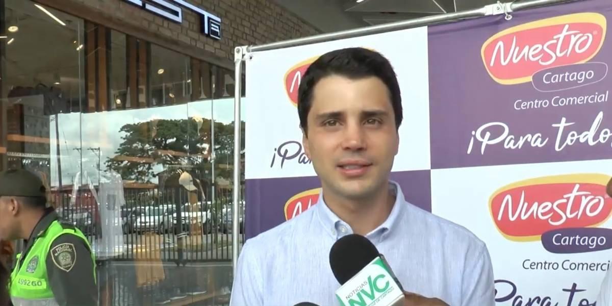Hijo mayor de Álvaro Uribe abrió este mega centro comercial