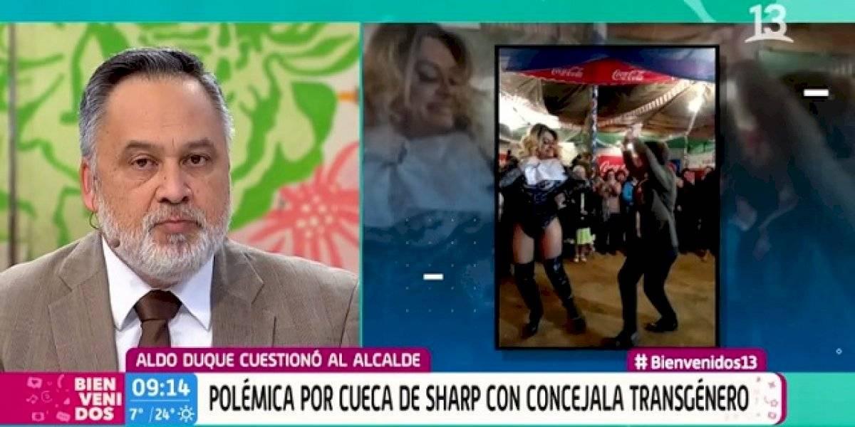 """Reacción """"homofóbica"""" de Aldo Duque por pie de cueca de Sharp generó polémica discusión en """"Bienvenidos"""""""
