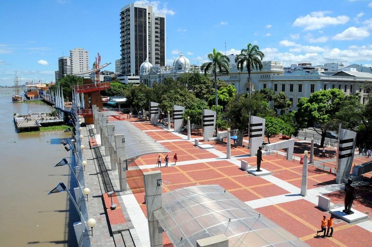 Malecón Simón Bolívar Guayaquil es mi destino