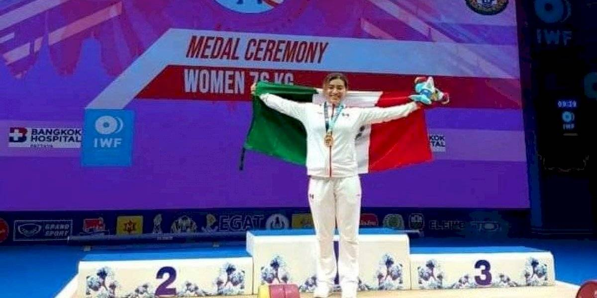 Aremi Fuentes consigue la medalla de bronce para México en el Mundial de Halterofilia