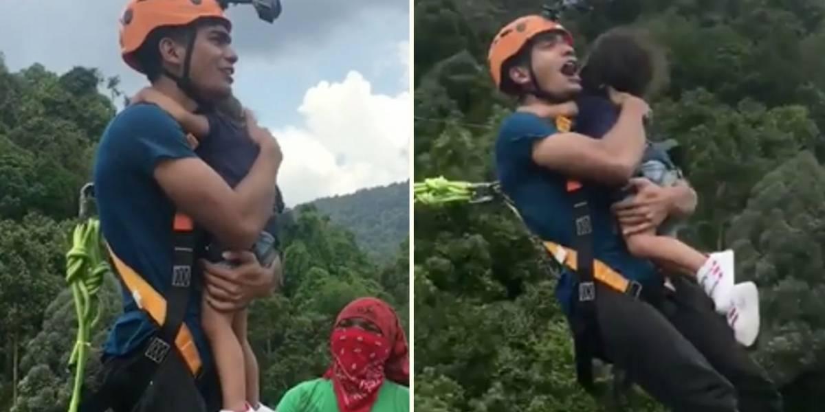 ¡De no creer! Un hombre hizo bungee jumping con su hija sin ponerle un equipo de seguridad