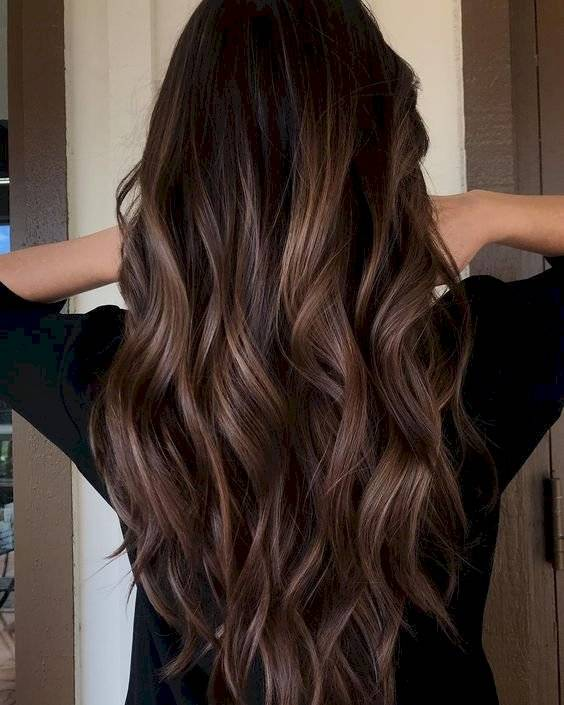Color chocolate para el cabello en morenas