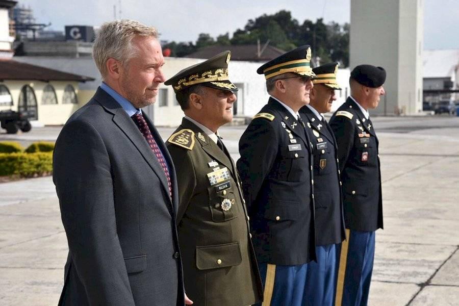 Comandantes estadounidenses llegan al país