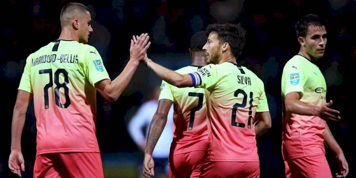 Con Claudio Bravo de titular el City goleó y eliminó al Preston