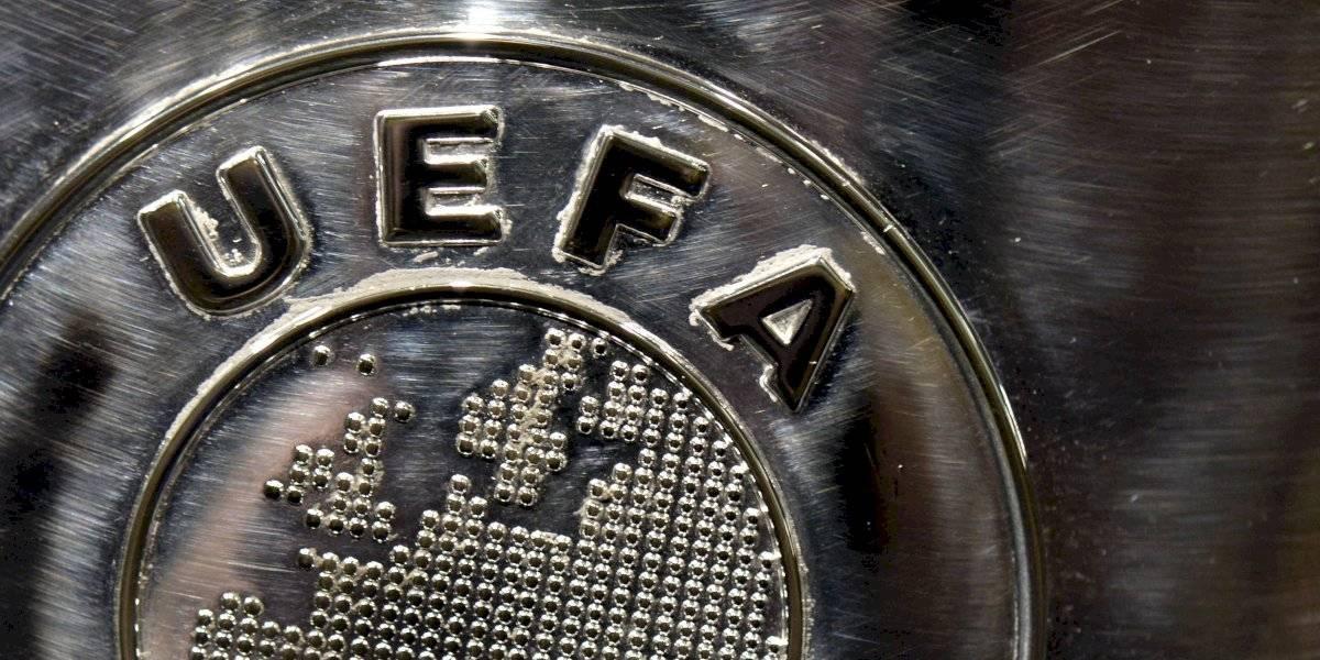 UEFA pide a clubes no jugar en donde vetan a las mujeres
