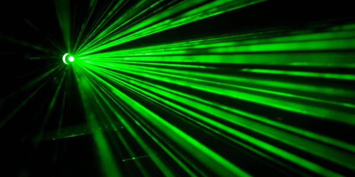 Científicos han desarrollado un pequeño láser capaz de funcionar dentro de los tejidos vivos sin dañarlos