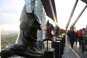 Bustos de Batman en Expo Reforma
