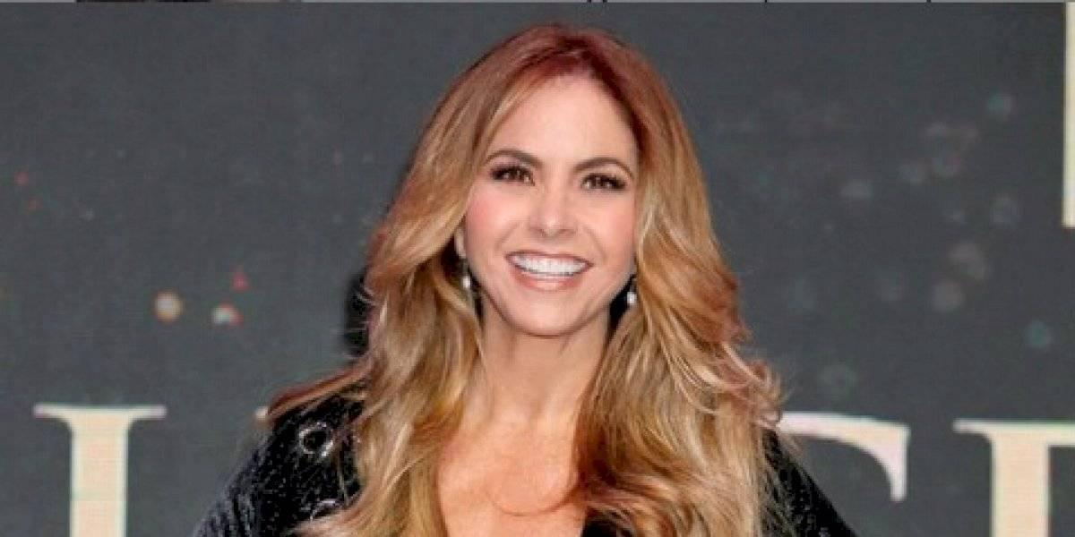 Lucero paraliza las redes al mover las caderas al estilo de Jennifer López
