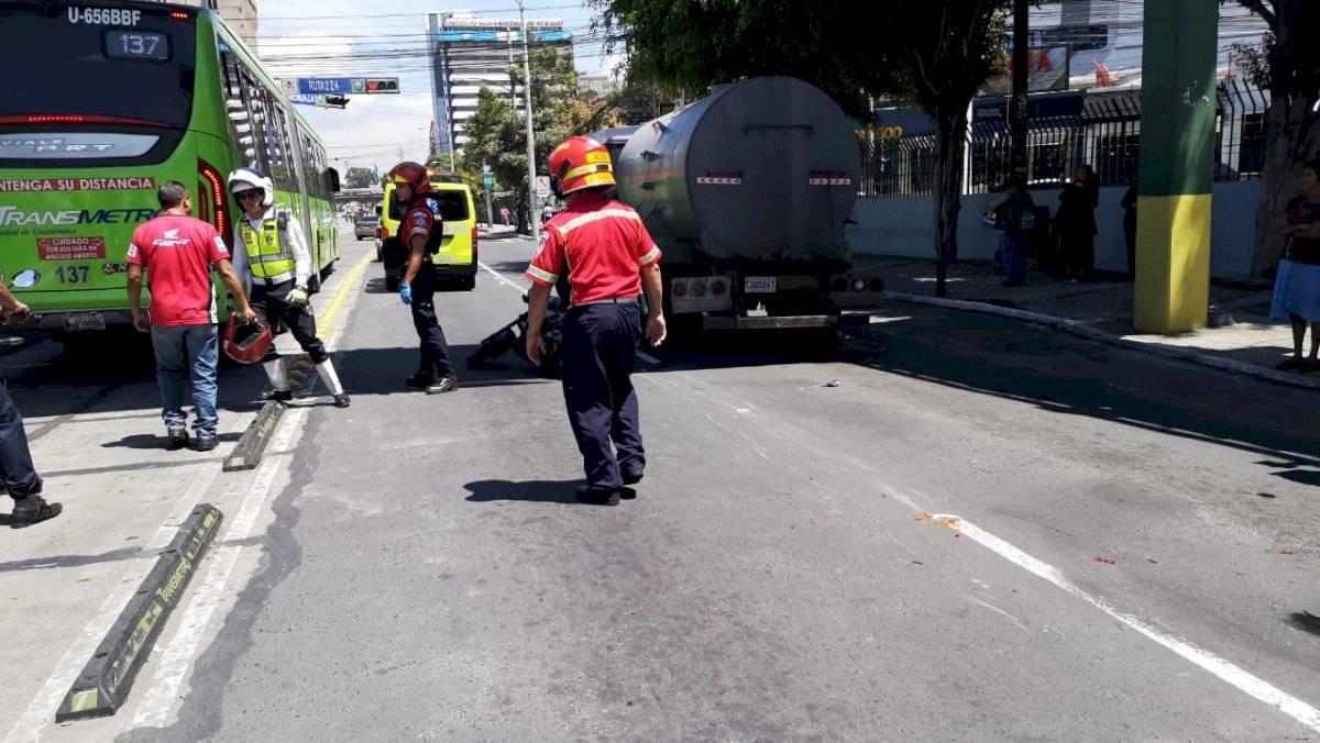 motorista muere tras accidente en zona 4