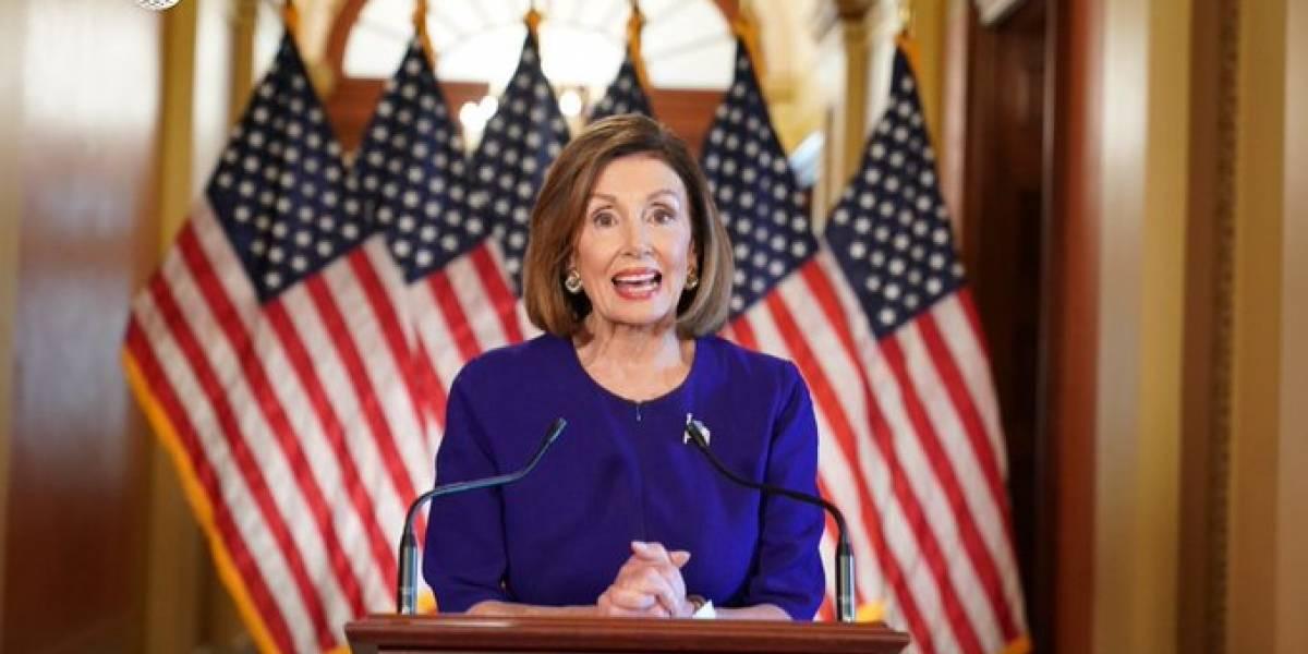 La líder demócrata anuncia apertura de investigación con miras a destituir a Trump