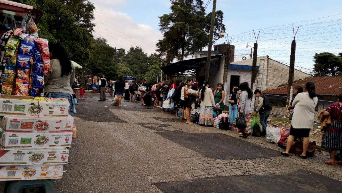 Familiares de reos celebran su día en el preventivo de la zona 18 Daniel Tzoc