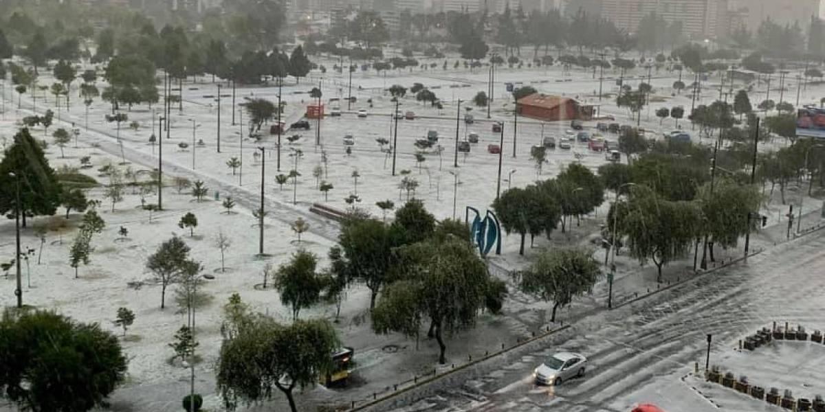 Quito: Impresionantes fotos del parque La Carolina tras granizada de este 24 de septiembre