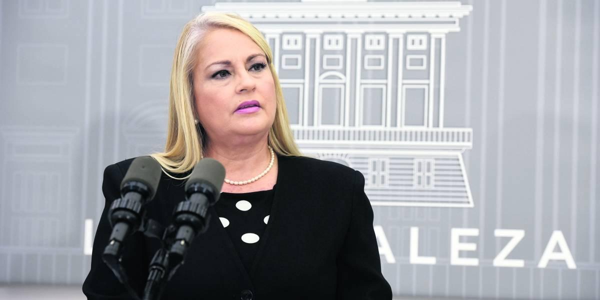 Gobernadora Wanda Vázquez recibe atención médica tras caída