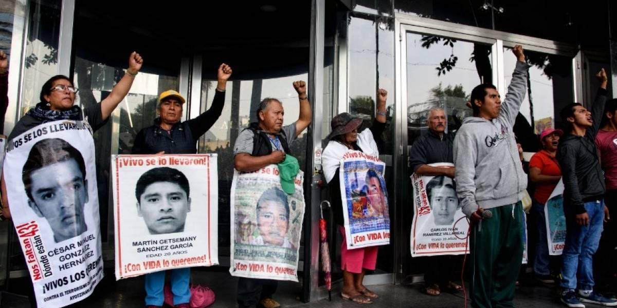'Verdad histórica' ya no existe para padres de Ayotzinapa: Vidulfo Rosales