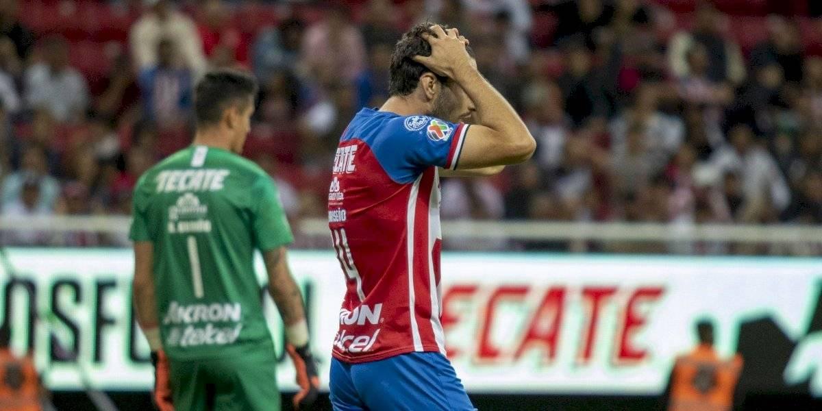 Chivas pierde y se hunde en crisis