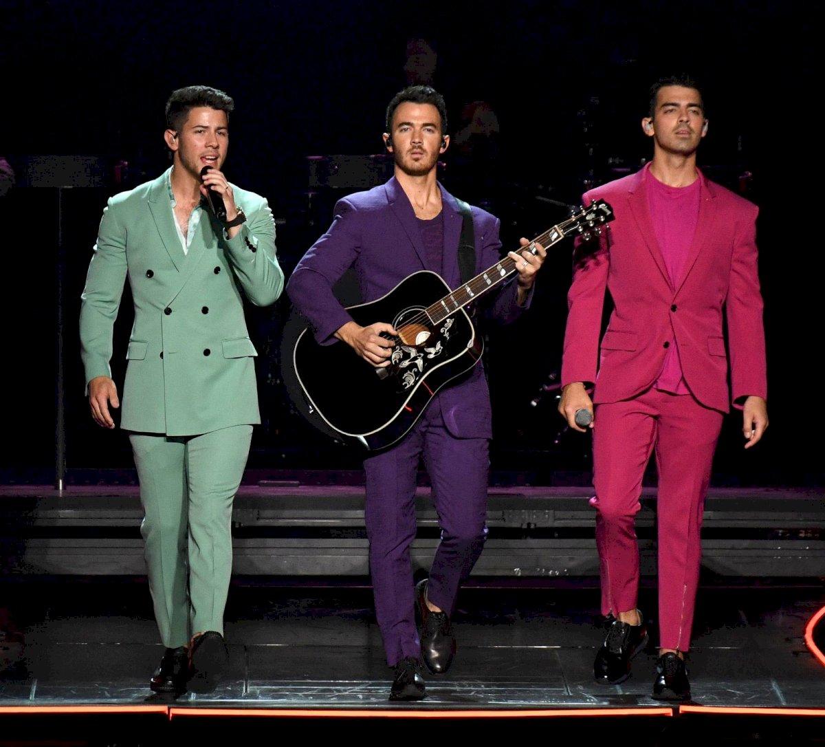 Con trajes coloridos, los Jonas Brothers rockearon el Madison Square Garden de Nueva York Getty Images