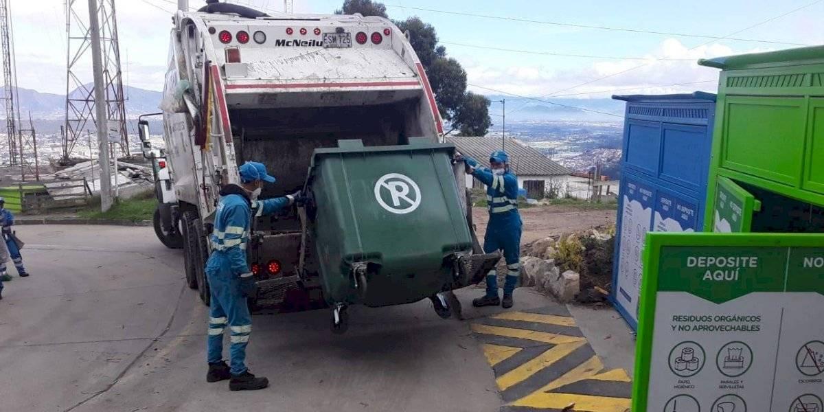 Crean iniciativa para regalar pasajes de transporte a personal de aseo y seguridad que trabaja en cuarentena