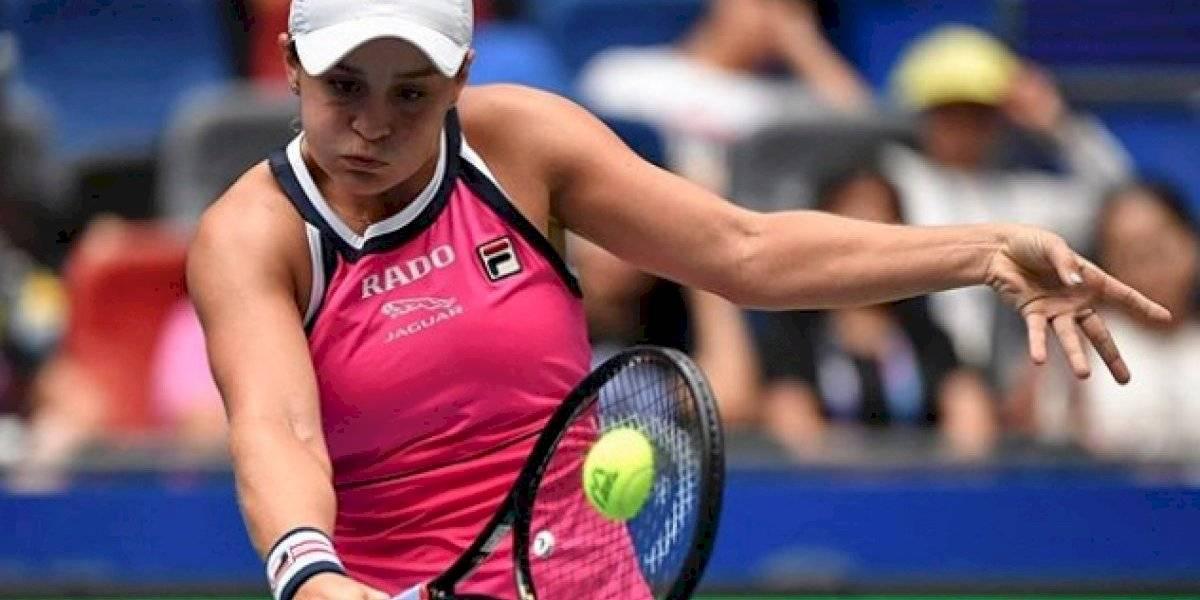Ash Barty avanza a cuartos en Wuhan y Simona Halep se retira por lesión