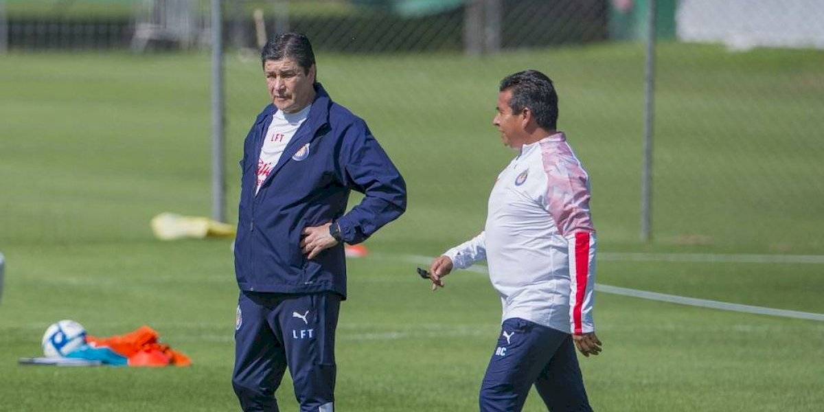 Chivas firmó a Luis Fernando Tena sólo por ocho partidos