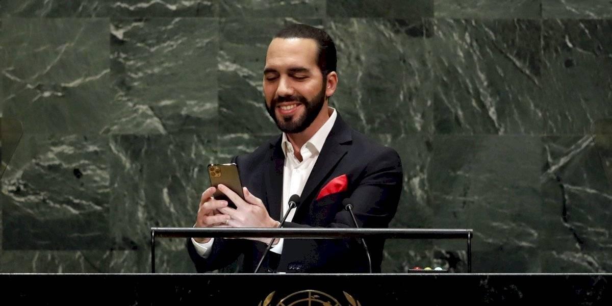Presidente de El Salvador se toma un selfie en la Asamblea General de la ONU