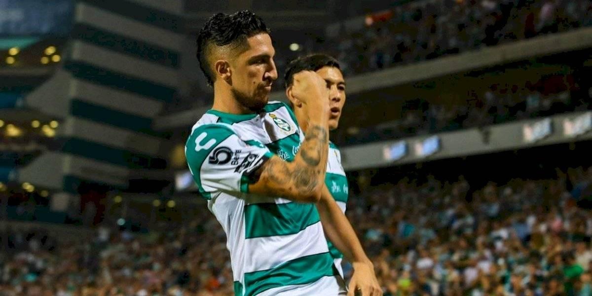 Regate y bomba: Diego Valdés aportó con un golazo en arrolladora victoria del Santos Laguna sobre Veracruz