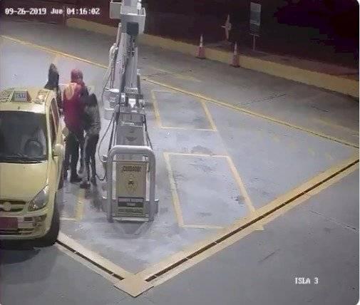 Robo en gasolinera al norte de Quito