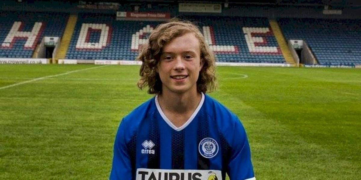 El joven de 16 años que le anotó al Manchester United es un prodigio en la escuela