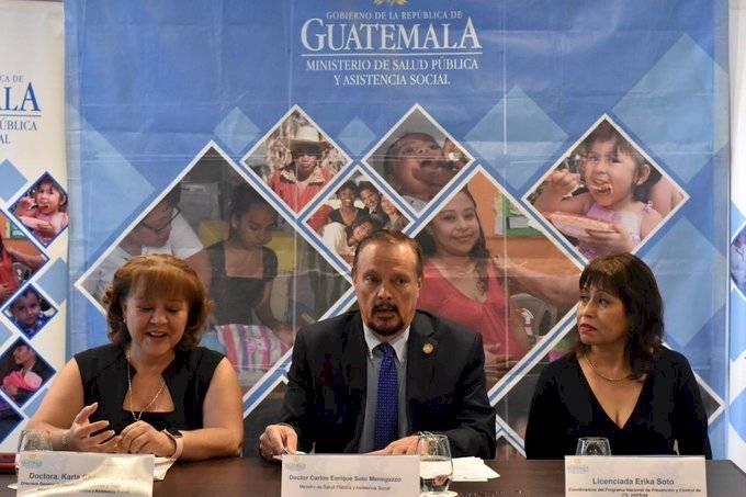 Ministerio de Salud presenta guía de aplicación de retrovirales para pacientes con VIH