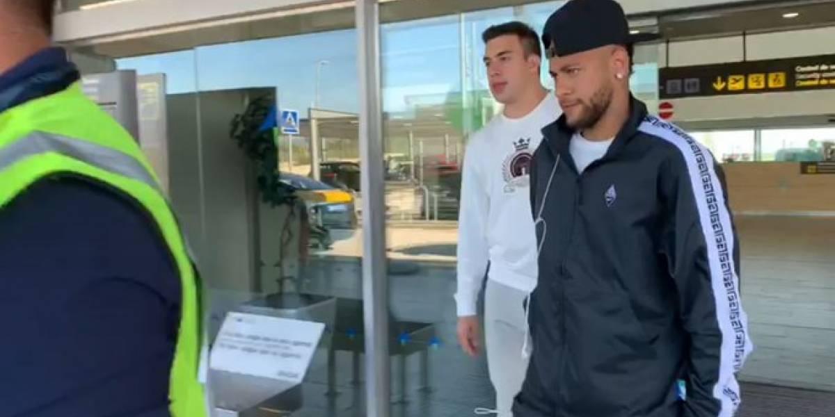 Neymar es captado en el aeropuerto de Barcelona