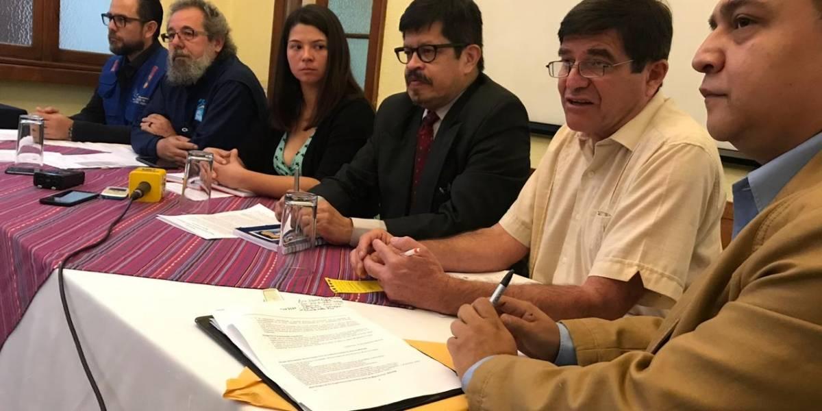 Exigen al Congreso rechazar proyecto que contempla penas de prisión para padres de niños emigrantes