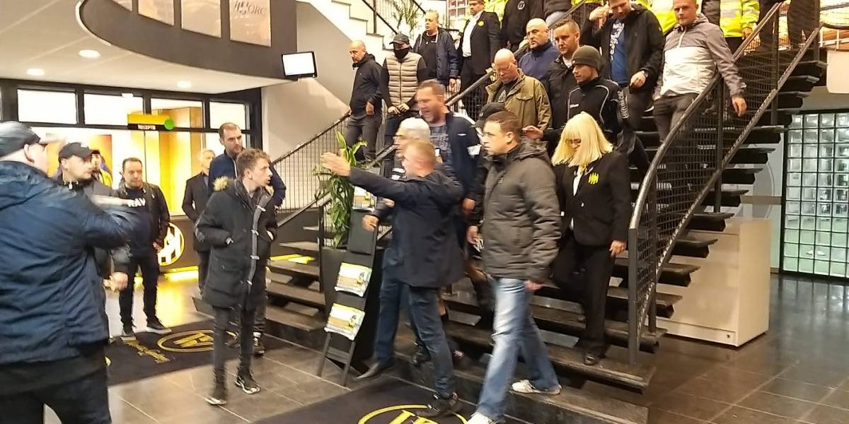 VIDEO. Aficionados del Roda JC echan del estadio a su presidente