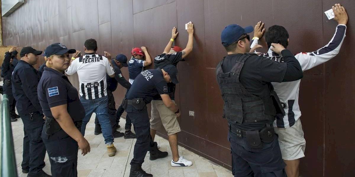 Detienen a dos integrantes de 'La Adicción' responsables de agredir a aficionado de Tigres