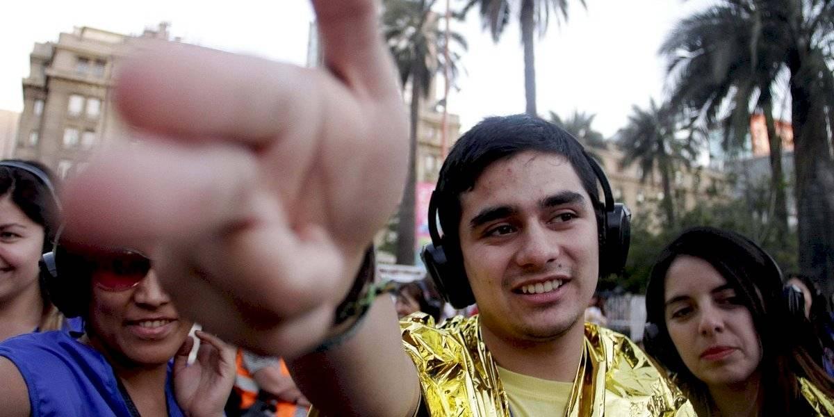 Primer concierto masivo y silencioso: así funciona la nueva tendencia que llega a Chile