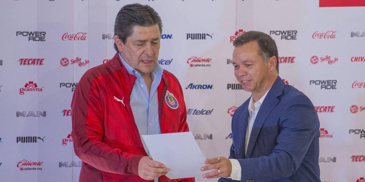 Chivas aclara cómo logró la contratación del 'Flaco' Tena