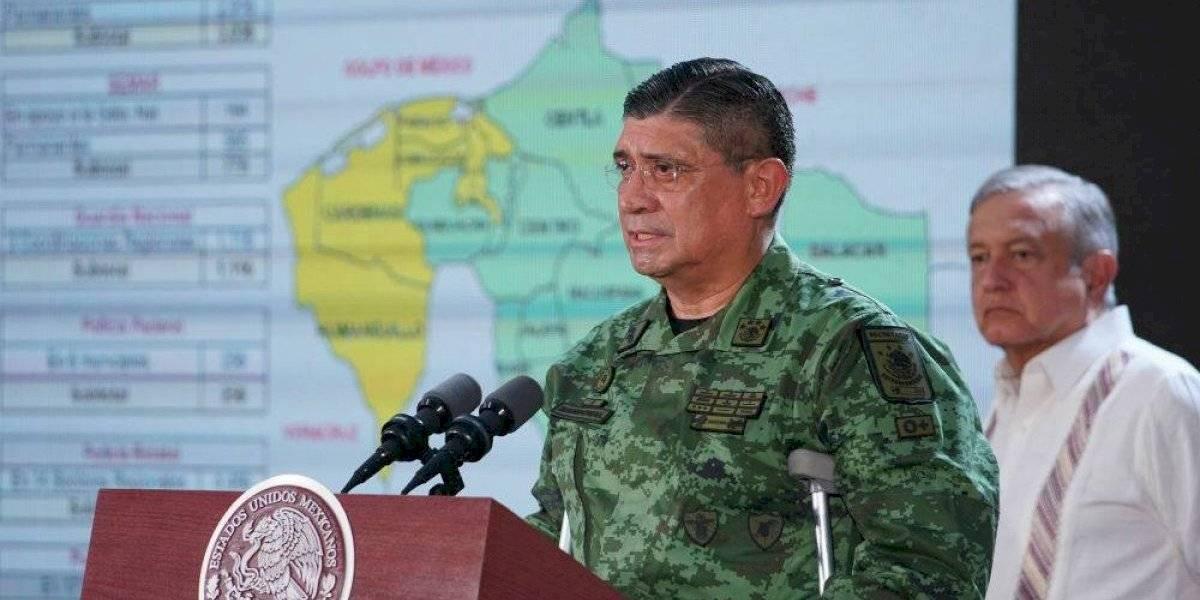 #PolíticaConfidencial Cresencio Sandoval sólo observa cómo agreden a sus soldados