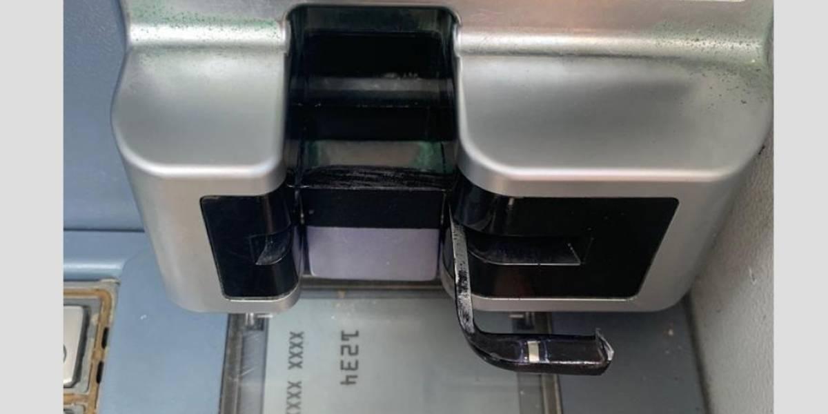 Delincuentes causan daños a un cajero automático en Hatillo