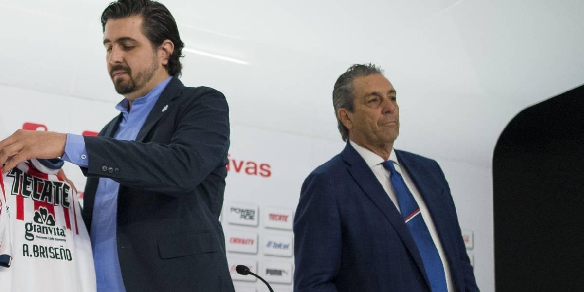 Así fue la salida de Tomás Boy y la llegada de Luis Fernando Tena a Chivas