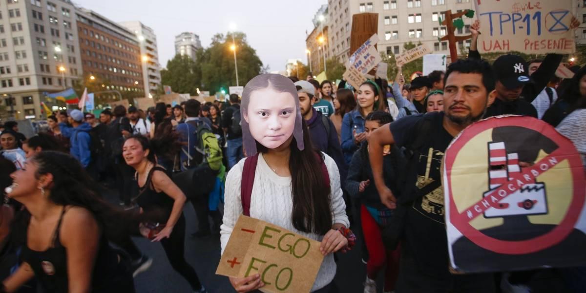 """CHV y CNN rechazan enérgicamente agresión y apuñalamiento de sus periodistas en la marcha """"Fridays For Future"""""""