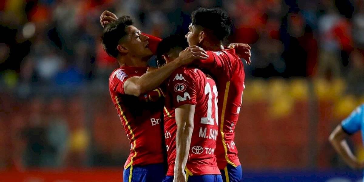 Unión Española goleó a Deportes Iquique que sigue complicado con el descenso